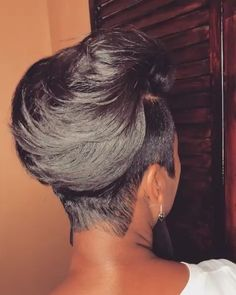Now this is a cut✂️😍 Gorgeous hair ❤️ Would you rock it? Short Sassy Hair, Cute Hairstyles For Short Hair, Weave Hairstyles, Short Hair Cuts, Girl Hairstyles, Curly Hair Styles, Natural Hair Styles, Teenage Hairstyles, School Hairstyles