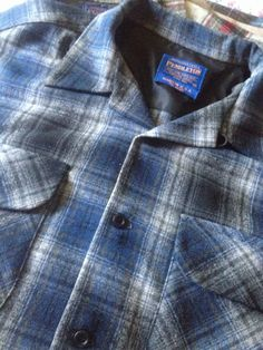 Men's Medium Vintage Pendleton Board Shirt  Men's Vintage Pendleton  Size Medium 100% Virgin Wool  Made in the USA Loop collar, square bottom, two bias-cut pockets. Used in excellent condition