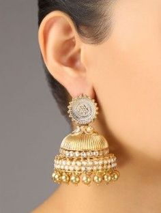 Gold and pearl Indian earrings jhumkas Pearl Jhumkas, Gold Jhumka Earrings, Gold Diamond Earrings, Indian Earrings, Bridal Earrings, Indian Jewelry, Bridal Jewelry, Korean Jewelry, Statement Earrings