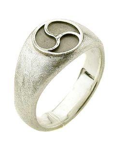 ring, triskelion