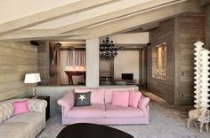 Penthouse in Val-d'Isère by Jorge Grasso wall and ceiling cols