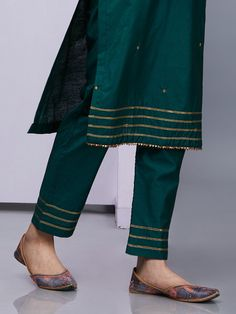 Emerald Green Silk Kurta with Pants - Set of 2 Silk Kurti Designs, Salwar Designs, Kurta Designs Women, Kurti Designs Party Wear, Blouse Designs, Neckline Designs, Kurta With Pants, Silk Pants, Salwar Pants