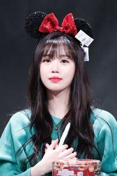 190407 - Last fan signing event Kpop Girl Groups, Korean Girl Groups, Kpop Girls, U Go Girl, Cool Girl, K Pop, Asian Short Hair, Homo, Soo Jin