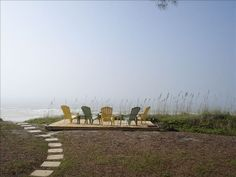 VRBO.com #356001 - Beachfront Cottage -Ground Floor, Family Friendly!  April & May Discounts!