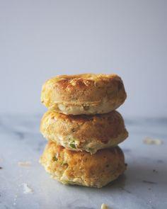 CHEDDAR JALAPEÑO GREEN ONION DONUTS // The Kitchy Kitchen