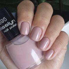 Misslyn - Beauté Classique Lisa, Munich, Nail Colors, Nail Polish, Hair Beauty, Woman, Nails, Makeup, Happy