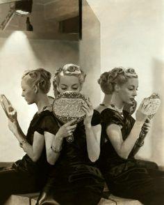 Admiring their sophisticated elegance. #vintage #hair #models #mirror #hairstyles #curls #1940s #beautiful