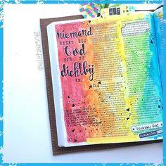 UNIEKE GOD | We hebben een God die dichtbij is! Zijn unieke eigenschappen zijn onevenaarbaar...vandaag ontdek ik opnieuw dat er NIEMAND IS ALS U | meer lezen? Kijk op mijn blog link in profiel. #biblejournalingchallengethuis #dichtbijgod #sestraforyou #schrijfbijbel #deut4v7