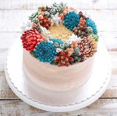 En 2011, Ivenoven a décidé de commencer à faire de la pâtisserie.br / br / En commençant avec de simples biscuits de Noël bien décorés pour la classe de sa fille, elle a continué sur d'autres réalisations tellement les gens ont aimé ses gâteries colorées.br / br / Maintenant, elle en a fait son métier, et son a href='https://www.instagram.com/ivenoven/'compte Instagram/a regorge de sublime créations !