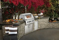 outdoor kitchens & entertaining spaces