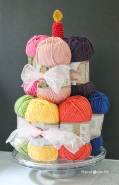 Yarn Cake with a Crochet Candle - Instead of edible cake, I want THIS for my birthday every year! gifts Yarn Cake with a Crochet Candle - Repeat Crafter Me Repeat Crafter Me, Craft Gifts, Diy Gifts, Ball Birthday, Birthday Cake Gift, Birtday Cake, Happy Birthday Fun, Mom Birthday, Christmas Birthday