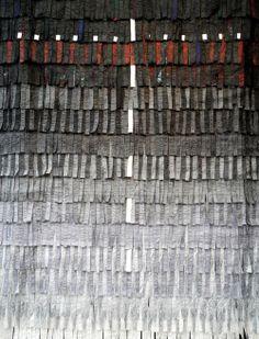 entre-lignes:Abdoulaye KONATE, Croix de lumière. Exposition Decorum, tapis et tapisseries d'artistes. Musée d'art Moderne, Paris.