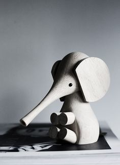 Wooden elephant toy - design classic