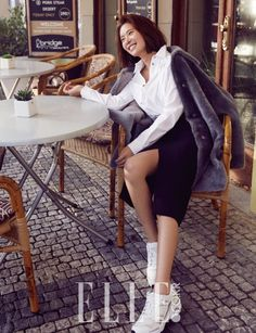 Hwang Jung Eum for Elle Korea January Photographed by Shin Sun Hye Hwang Jung Eum, Best Photo Poses, Korean Star, Korean Actresses, Cosmopolitan, Asian Woman, Cool Photos, Singer, Photoshoot