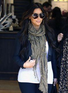 Kim Kardashian - Kim Kardashian Makes It A Girls Day Out