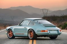12-singer-reimagined-porsche-911-1