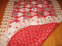 Aunt Roo's Here Comes Santa Trees (reverse Victorian Valentine Kissing Booth Hearts) fabric table runner w/ crocheted edging...