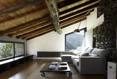 Rehabilitation Mas La Riba by Ferran Lopez Roca_06_delood.jpg