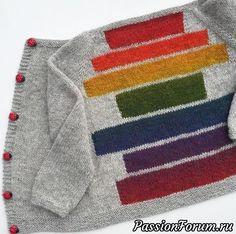 En deilig helårsjakke som strikkes i ett stykke, helt uten montering! Knitting For Charity, Knitting For Kids, Baby Knitting, Sweater Knitting Patterns, Knitting Designs, Knit Patterns, Pull Bebe, Knit Baby Sweaters, Baby Cardigan