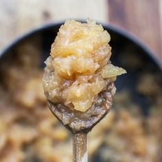 aps: Homemade Vanilla Applesauce is SO delicious and SO easy to make!  You can have it ready in under 30 minutes!  I love it!