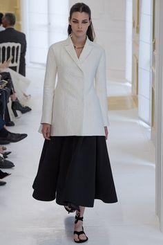 Christian Dior - Autumn/Winter 2016-17 Couture - Paris (Vogue.co.uk)