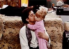 And remember how close Uncle Jesse (John Stamos) and Michelle (The Olsen twins) were? John Stamos Shared A Throwback Of The Olsen Twins And It Saddens Me Jesse From Full House, Full House Tv Show, Oncle Jesse, Tio Jesse, Full House Funny, Full House Quotes, Stephanie Tanner, Dj Tanner, Girl Meets World