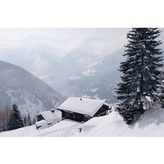 Snow keeps falling in Commeire  #montagnealternative #findyournature #commeire #view #mountains