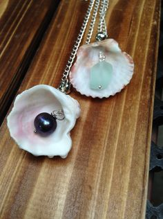 Real  Clam Shell Pendant Necklace Seashell With sea by lyrisgems