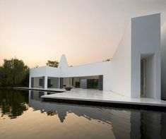 White house by Need21 | Archifan Blog