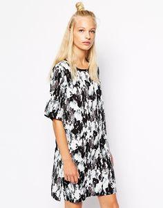 Monki+T-Shirt+Dress