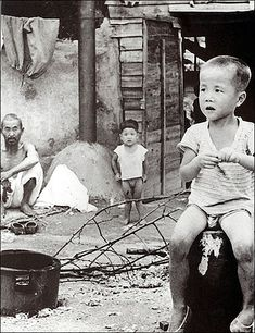 1957,Seoul, by Yi,Hyeong-rok