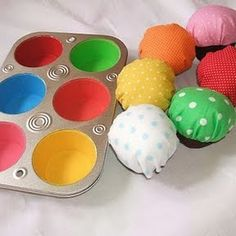 genius idea, color the muffin tin and make plush cupcakes to match!
