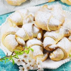Rogaliki krucho drożdżowe | AniaGotuje.pl Apple Bread, Snack Recipes, Snacks, Churros, Pretzel Bites, Chips, Cookies, Baking, Cake