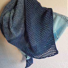 hâle Soir d'été, modèle #dropsdesign tricoté en #ravinala de chez #plassard. #tricot #knitting #dropsfan #shawl #shawlknittin Carole, Instagram, Fashion, Atelier, Tricot, Moda, Fashion Styles, Fashion Illustrations, Fashion Models