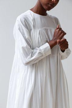 Ethnic Dress, Fashion Details, Fashion Ideas, Science Art, Off White, Vintage Outfits, Model, Cotton, Clothes