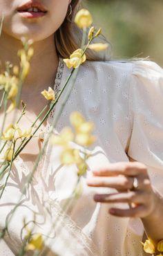 Henri Matisse, Portrait Photography, Fashion Photography, Feeds Instagram, Shotting Photo, Princess Aesthetic, Creative Portraits, Daisy, Delicate