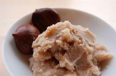 Maronipüree – Kastanienreis Eine besondere Köstlichkeit im Herbst sind Maroni. Daraus lässt sich ein wunderbares Püree zubereiten - für den puren Genuss oder als Basis für Kuchen oder Torte.