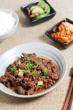 One of the most famous Korean dishes: Beef Bulgogi. We can use paper thin sliced beef and marinate for hours, but here, I share an easy version of bulgogi!