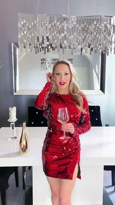 evedawes on Instagram: The more things that are sparkling in my life the better: fashion, decor, jewelry & wine. How do your bubbles make you feel? They make me… Best Online Sales, Best Gifts For Her, Make You Feel, How To Make, Small Business Saturday, Best Black Friday, Fashion Decor, Mariah Carey, Christmas Wishes