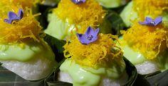 """Thai Cupcake"" - Sticky Rice Cups with Pandan-Coconut Cream Sauce (Egg White / Sugar Adornments)"
