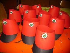 Diy And Crafts, Crafts For Kids, Nutcracker Christmas, Diy Toys, Techno, Planter Pots, Tableware, Activity Board, Minden