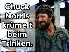 """Chuck Norris kann den toten Winkel reanimieren."""