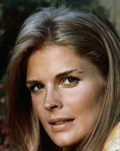Photo gallery including movies premiere, red carpets images and other event appearances pics of Candice Bergen. Gorgeous Women, Beautiful People, Candice Bergen, Anna Nicole Smith, Bond Girls, Classic Beauty, James Bond, Beverly Hills, Films