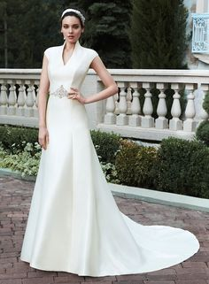 10 Gorgeous wedding gowns that will make you look and feel like the ultimate snow queen