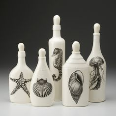 Laura Zindel Design - Set of 5 Bottles: Sealife - Bottles - Handmade Ceramics - Types Wine Bottle Art, Diy Bottle, Wine Bottle Crafts, Jar Crafts, Wine Craft, Bottle Painting, Spray Painting, Altered Bottles, Bottles And Jars