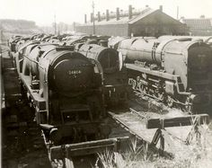 Southern Trains, Steam Trains Uk, Old Wagons, Railroad History, Abandoned Train, Steam Railway, Bullen, British Rail, Steam Engine