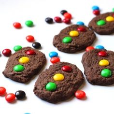 Chocolate cookies that are perfect for a kids birthday, race day, or car themed party