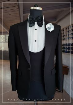 Groom's 3 piece black tuxedo with a unique curved vest. Elegant wedding attire Kathy Now Wedding Men, Wedding Suits, Wedding Attire, Elegant Wedding, Mens Sweat Suits, Costume Africain, Indian Groom Wear, Style Masculin, Designer Suits For Men