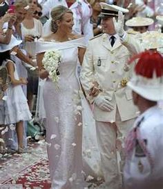 Monaco's ruler Prince Albert married with South African swimmer Charlene Wittstock on Sunday. 53 year old married Charlene, 33 in the courtyard of his palace and the foot of a vast white marble double staircase lined with white flowers.