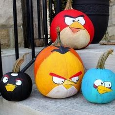 If your kid is celebrating his/her birthday on Halloween season, you might as well consider these Angry Birds pumpkin painting on your doorsteps.